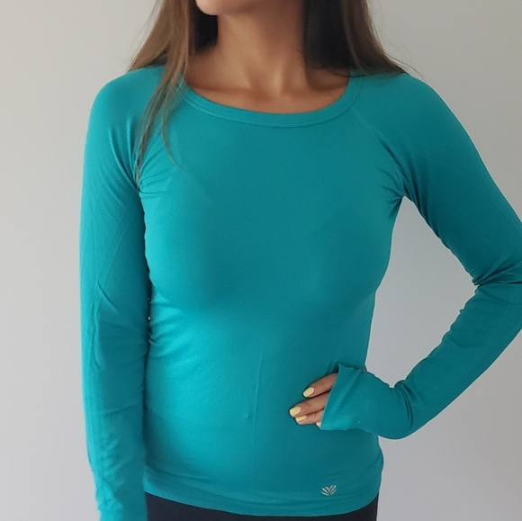 Stretchy pullover